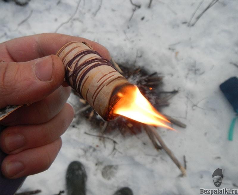 чем разжечь костер в лесу